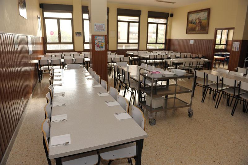 Comedor colegio san jos ikastetxea for Mesas comedor colegio
